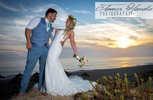 Gemma and Paul were amazing couple and we had so much fun shooting their Algarve sunset shots on the beach.... well done guys!