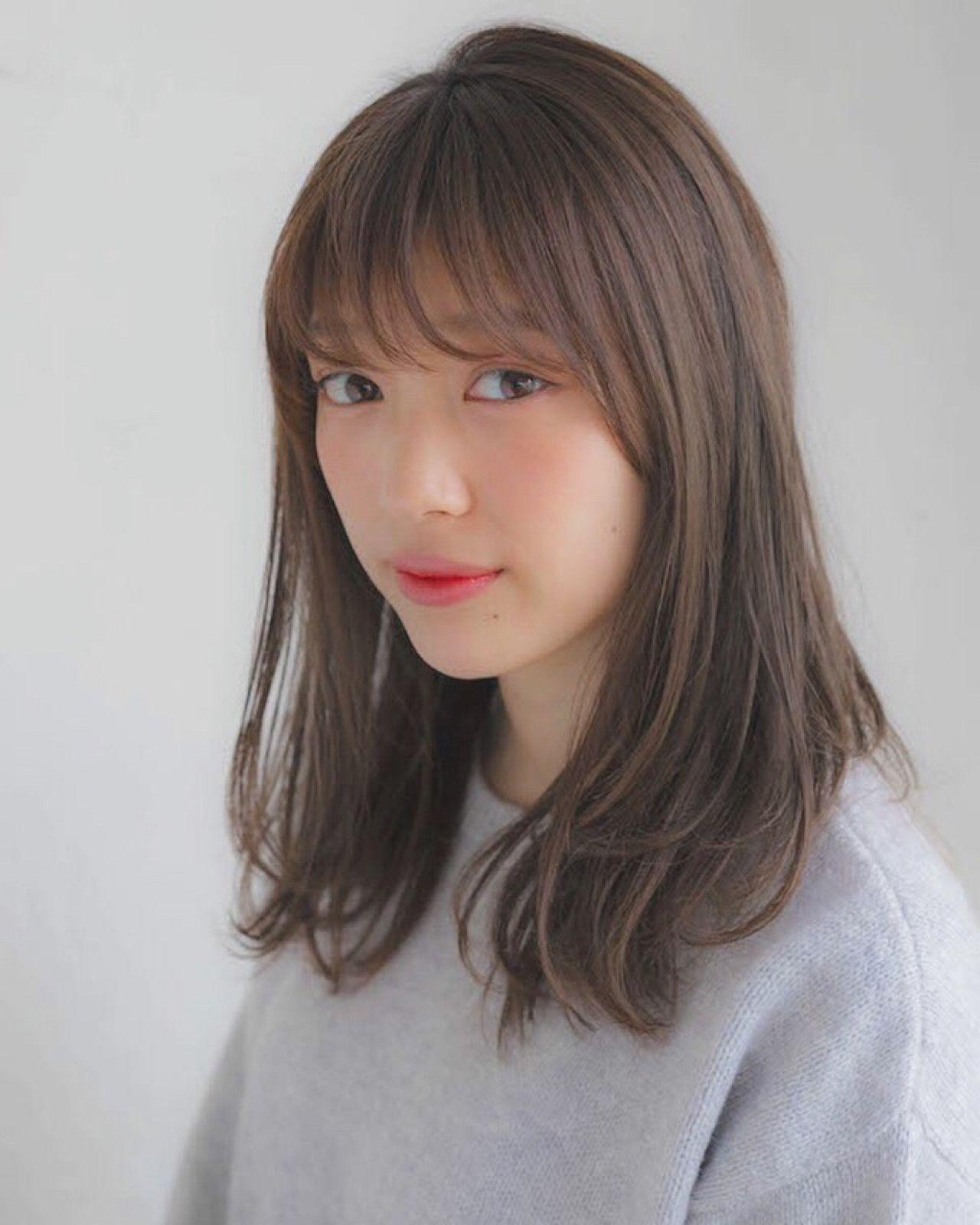 前髪あり ミディアム フェミニン デート ヘアスタイルや髪型の写真