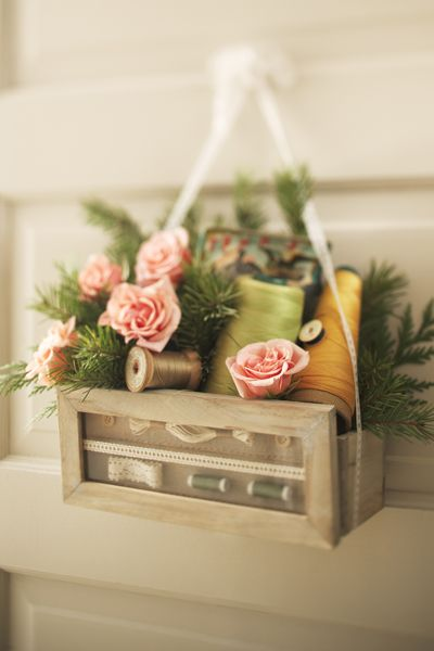 Darling Idea For A Sewing Room Decoration Or A Gift To One Of Your Sewing Friends Con Imagenes Decoracion Primavera Puertas Decoradas Autumn sunroom at bluestone hill