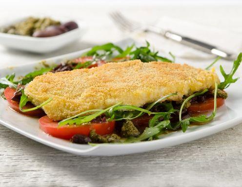 Gebackene Scholle mit Bärlauch Pesto und Salat