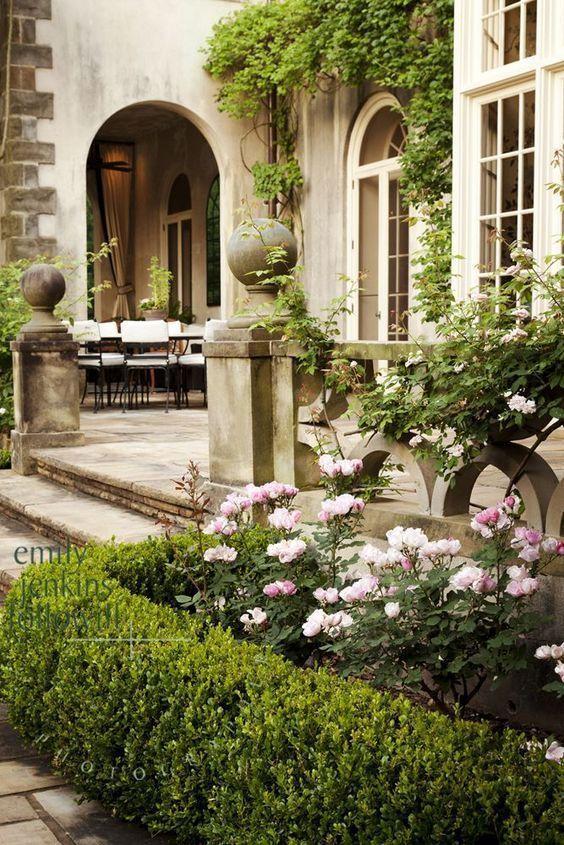 Formal gardens patio  formale gartenterrasse  patio des jardins à la française  patio de jardines formales  english formal gardens formal gardens french for...