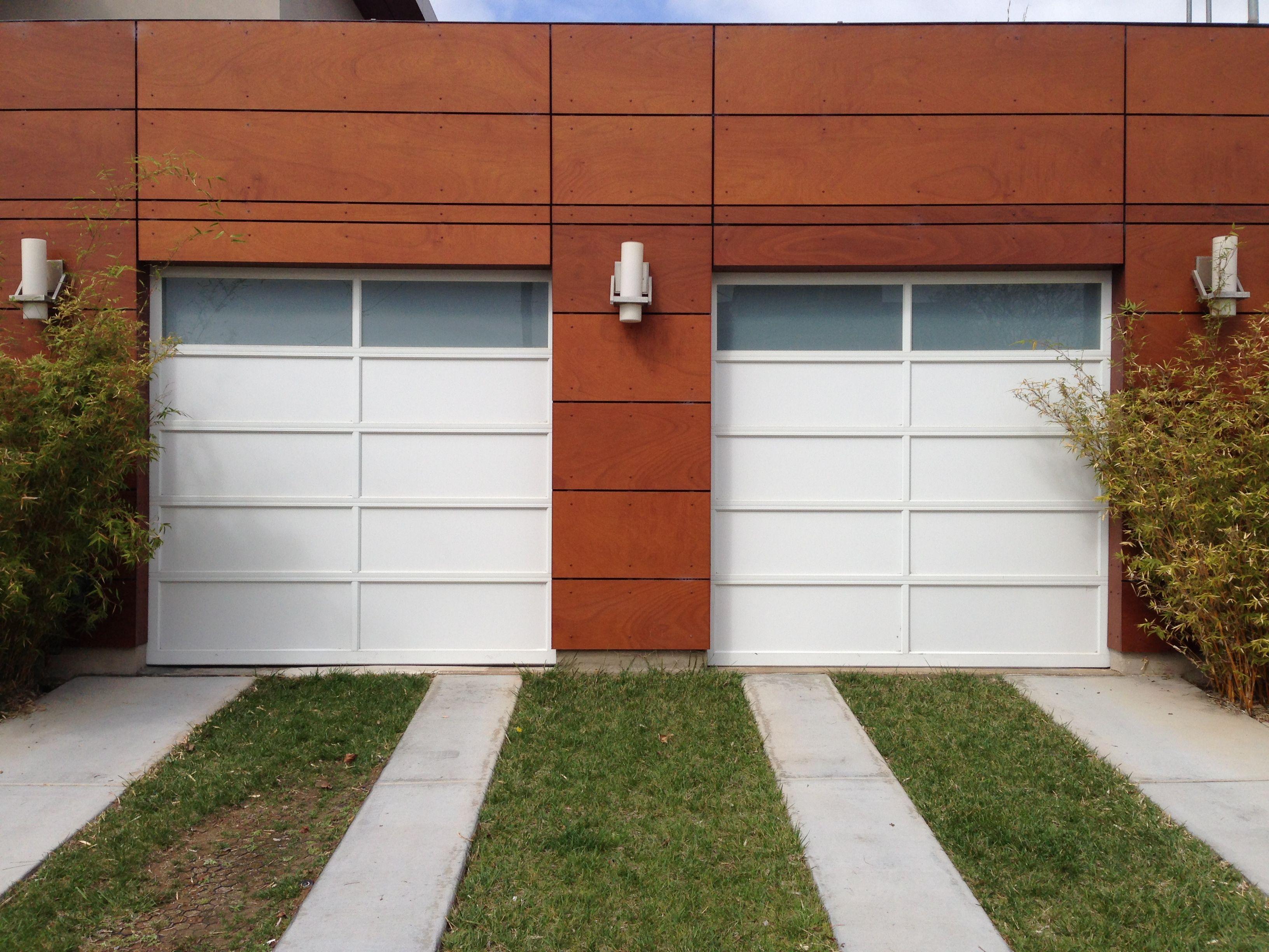 @Clopay Doors Avante Aluminum Pannel With Obscure Privacy Glass. White  Powder Coated Overhead Garage Door. @Chamberlain 3/4hp Belt Drive 8550 Garage  Door ...
