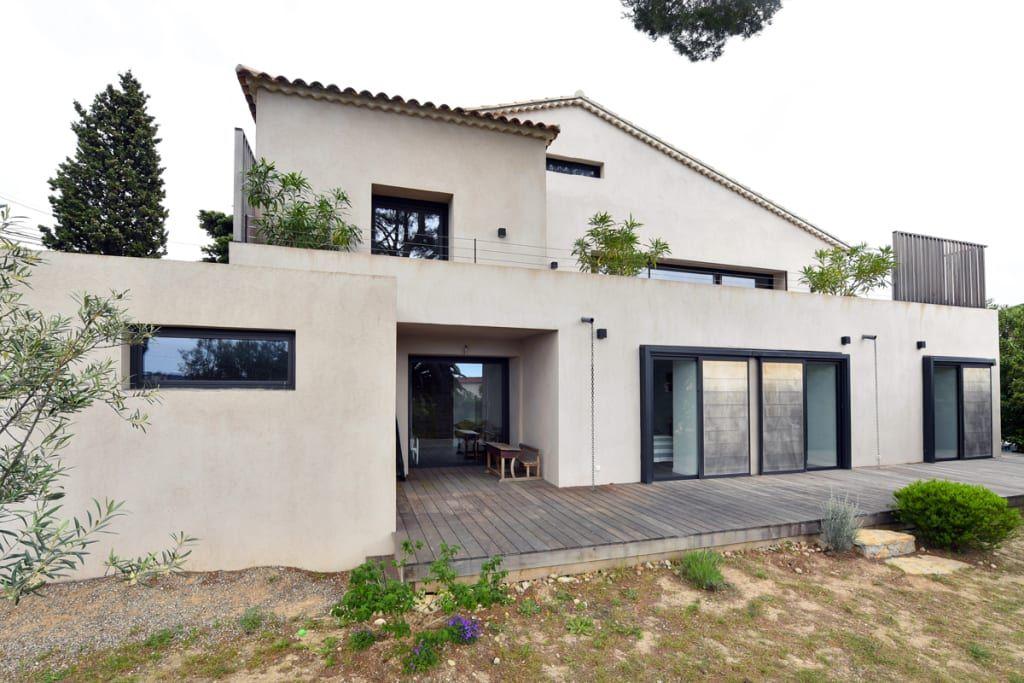 Une maison ultra moderne avec piscine | House
