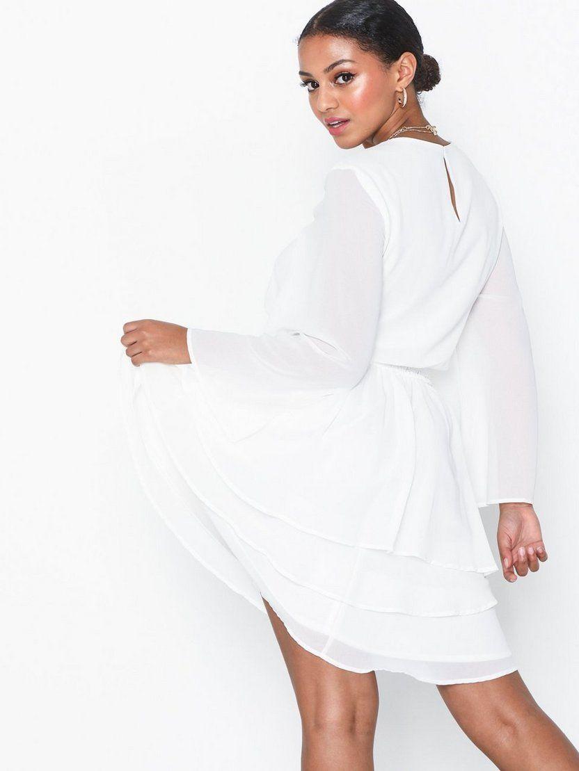 shoppa festklänningar online