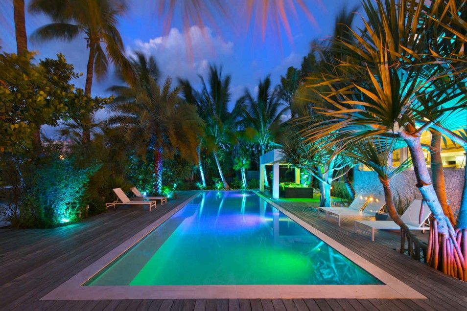 Mansion with pool at night  Architecture: Cool Home Design with Amazing Architecture in Key ...