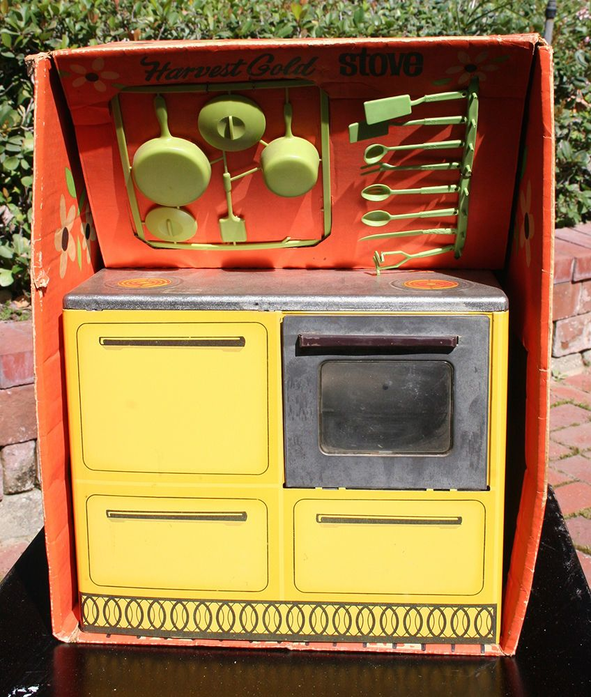 rare boxed sunny suzy wolverine kitchen stove w/ accesories vintage