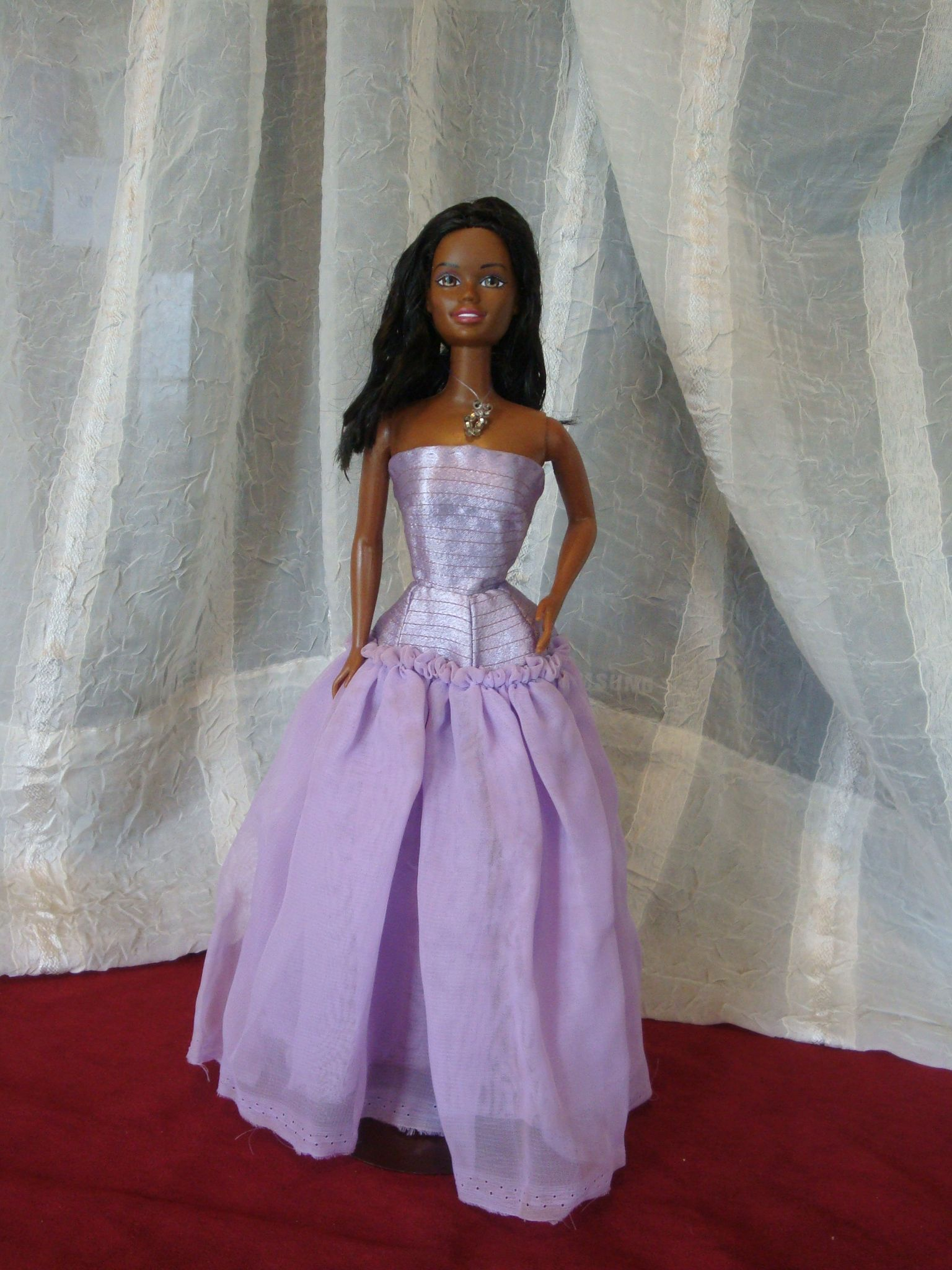 Tyra Banks at the Academy awards in 2000 in an awful, awful, awful ...