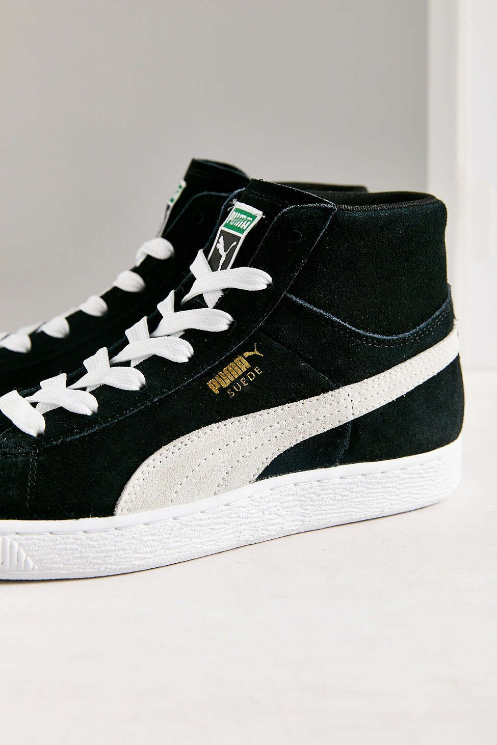 27ae8b44f78a Puma Suede Classic Mid Jr Sneaker - Urban Outfitters