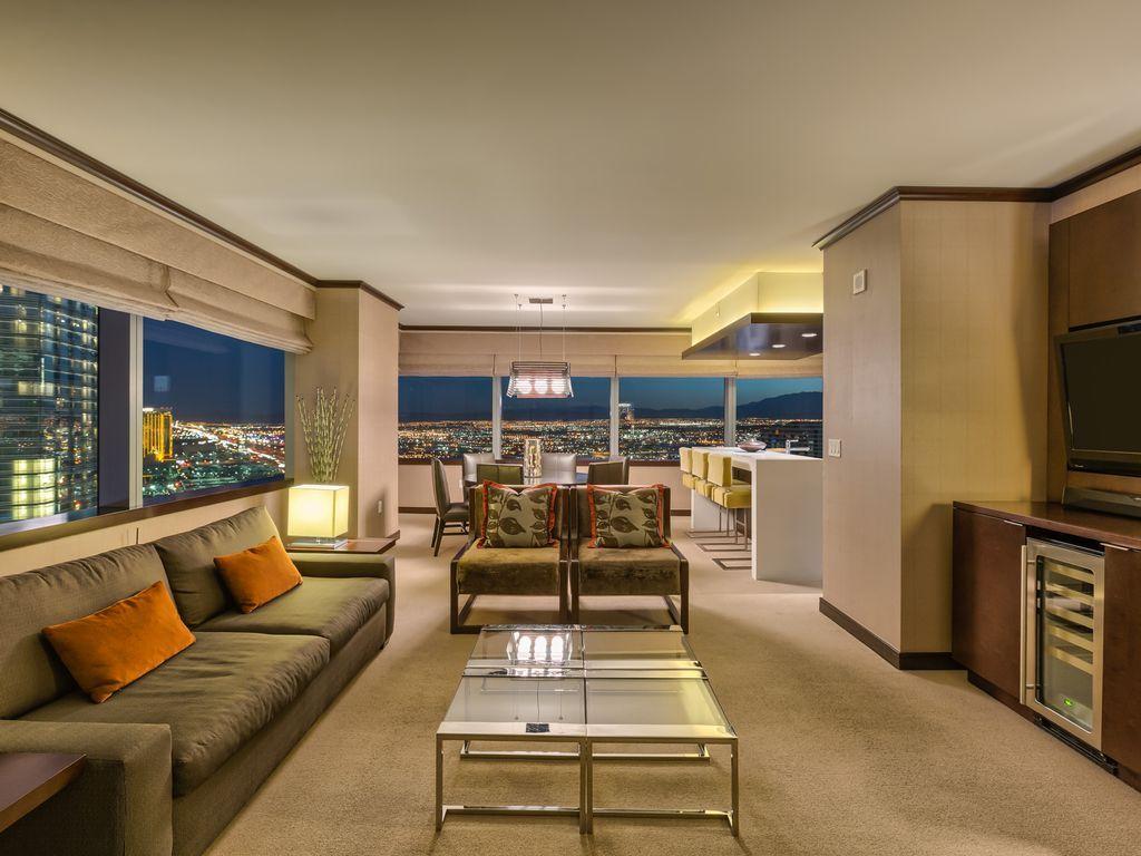 open floor plan Las vegas suites, Penthouse for sale