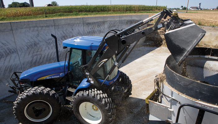 Agricultural Tractors New Holland Tv6070 Bidirectional Tractor