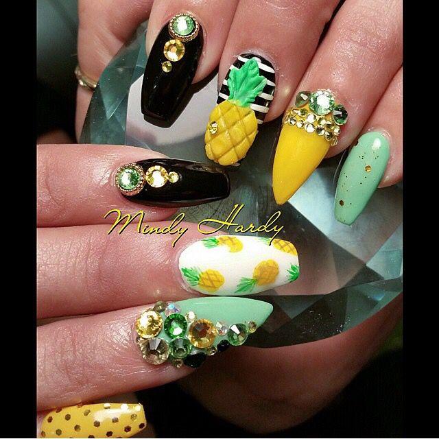 Pin de Liz Munoz en uñas liz | Pinterest | Cristales, Pedreria y Color