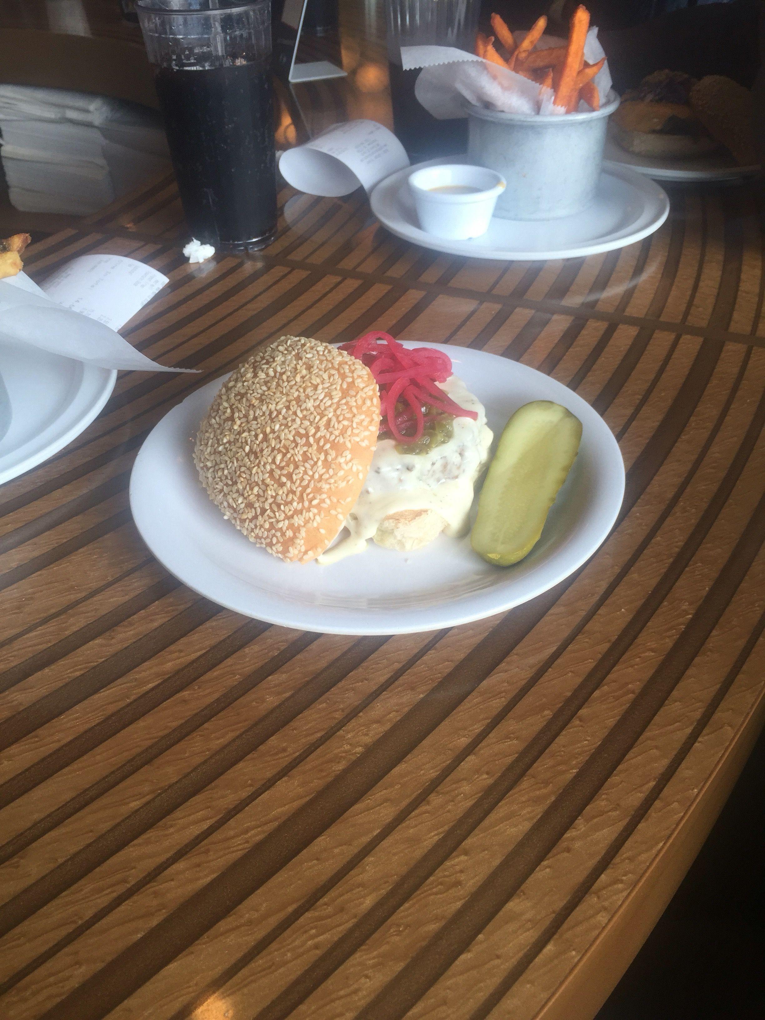 Restaurant Review Bobby Flay's Bobby's Burger Palace