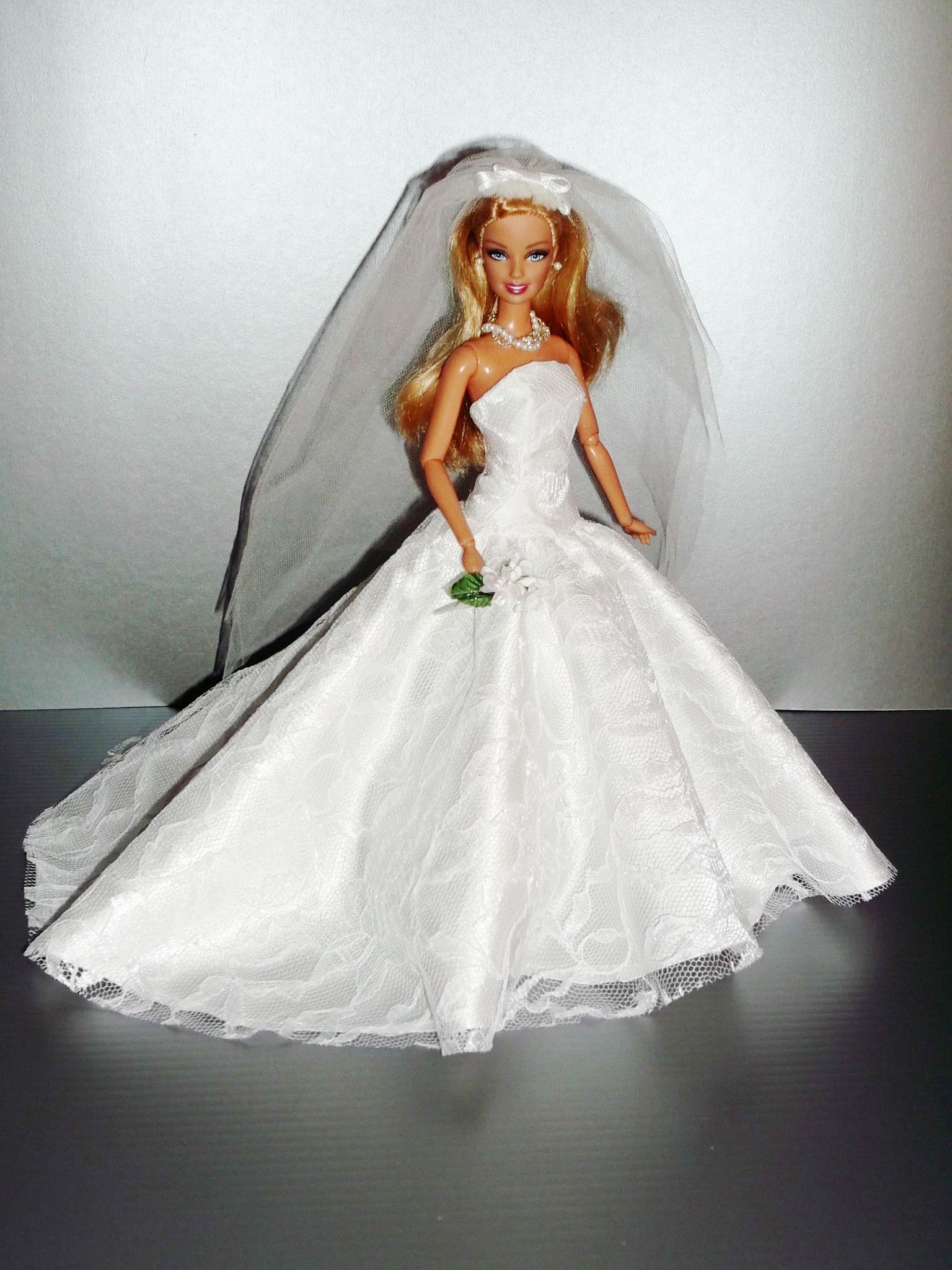 Barbie brides Rocio Couture / 1..3 qw