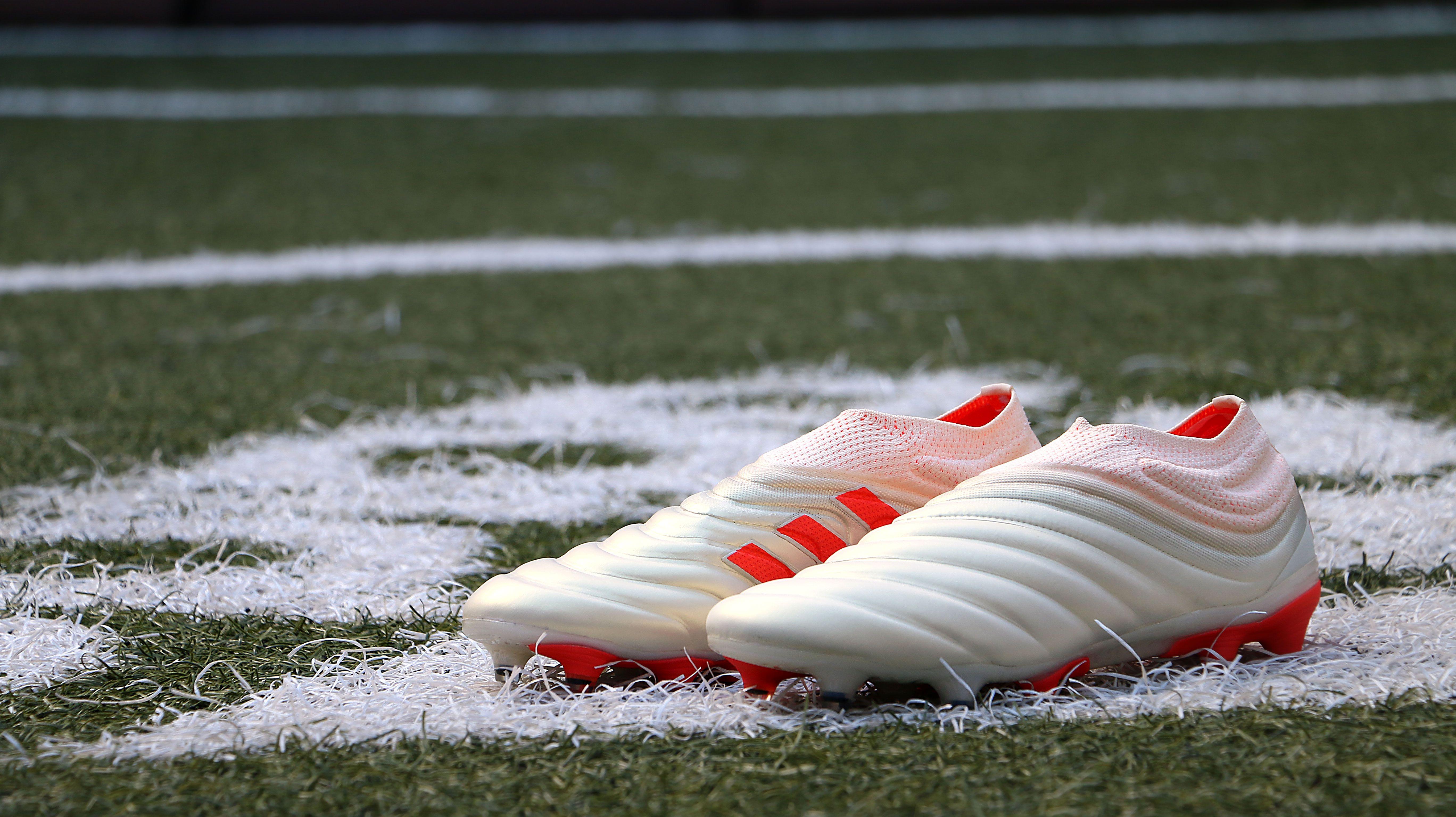 8a297ddc175a0 Botas con tacos adidas Copa 19 Initiator Pack. Revolucionario nuevo modelo  sin cordones.  adidas  Dybala  cleats  initiatorpack  adidascopa   adidasFootball ...