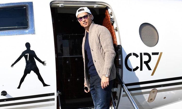 Ronaldo gặp sự cố máy bay nên chưa thể trở lại Juventus