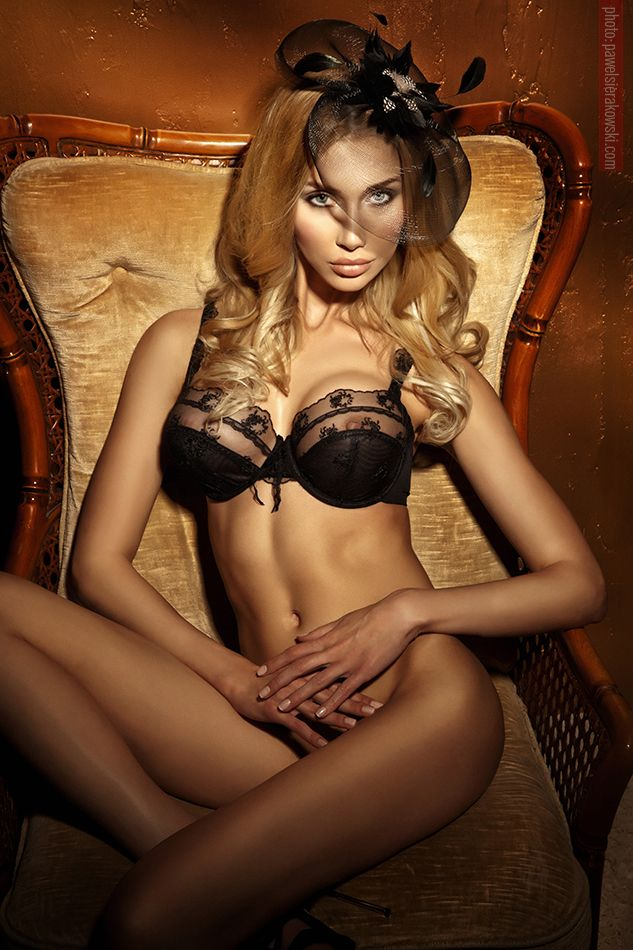 Kristall -sunderland escort agency provides sexy independent escorts girls  in sunderand and all over north east uk