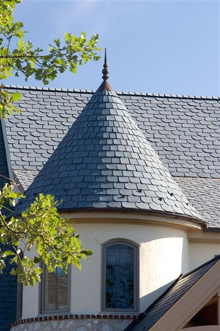 Ecostar Designer Series Offers Unlimited Creative Possibilities Beaver Tail Beveled Edge And Chisel Point Traditional Tile Slate Roof Cost Roofing
