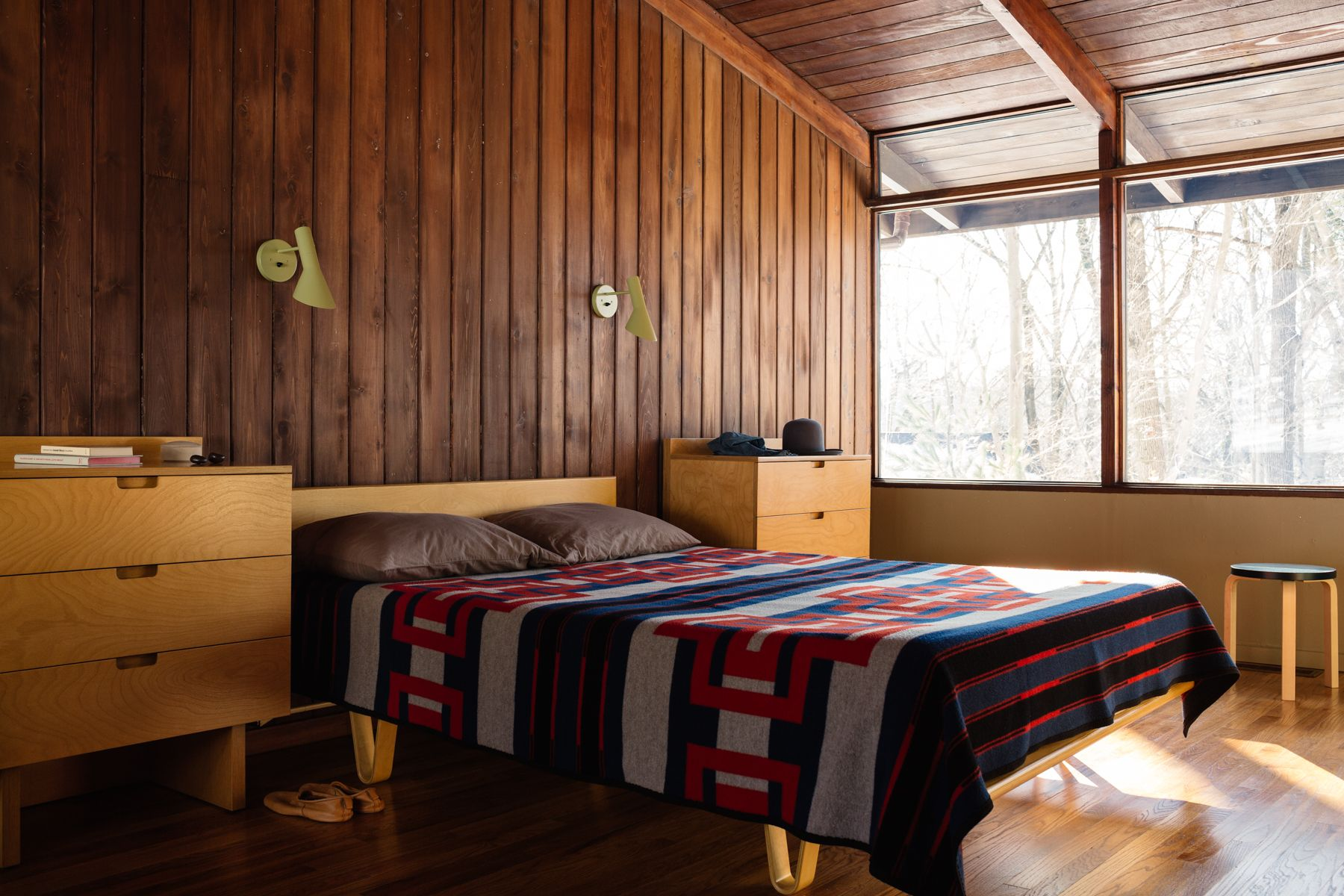 Steal This Look An Authentic Midcentury Modern Bedroom