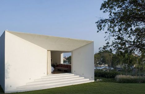 Piracicaba House by Isay Weinfeld.
