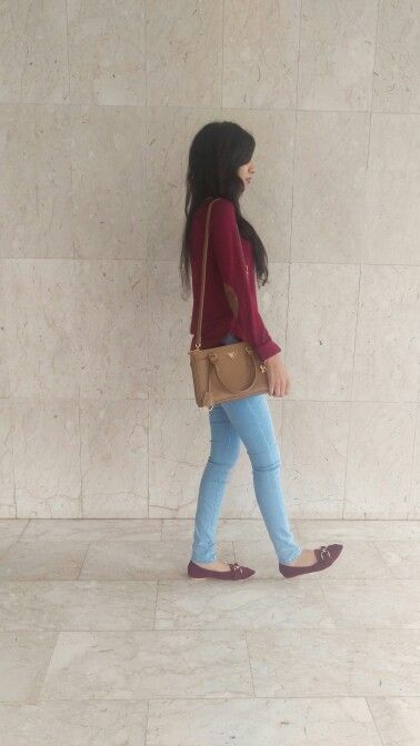 Casual fall outfit Maroon sweater and light blue jeans