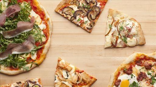 5 Easy artisanal pizzas from 1 easy recipe