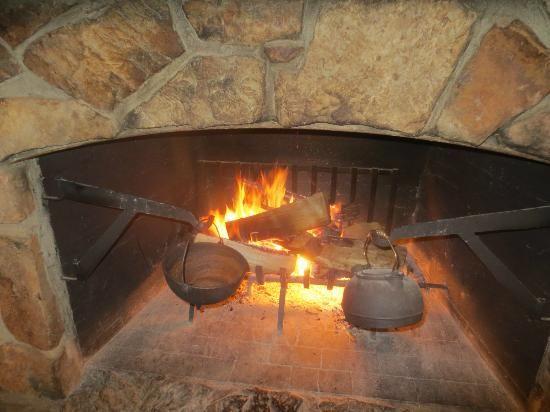 cracker barrel fireplace - Google Search | I love fireplaces ...