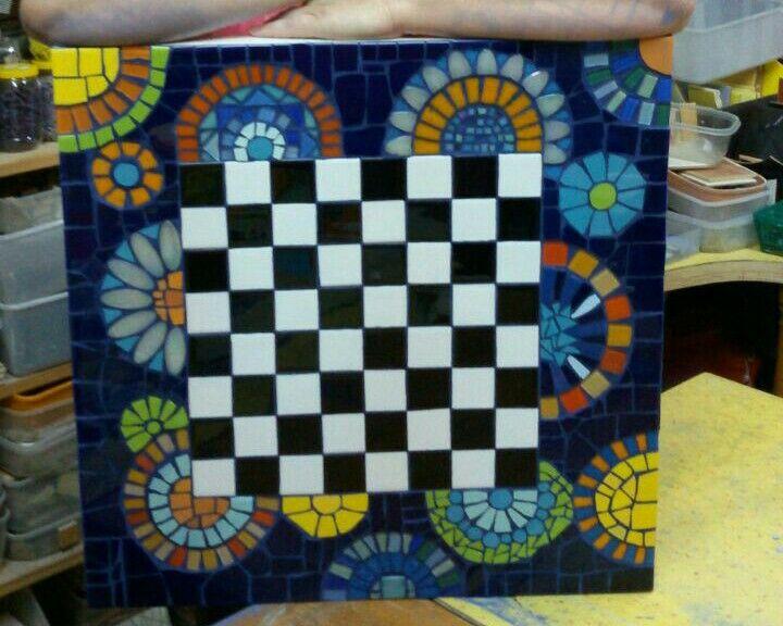 Tavolino lack ~ Mosaic table checkers on ikea lack table mosaic