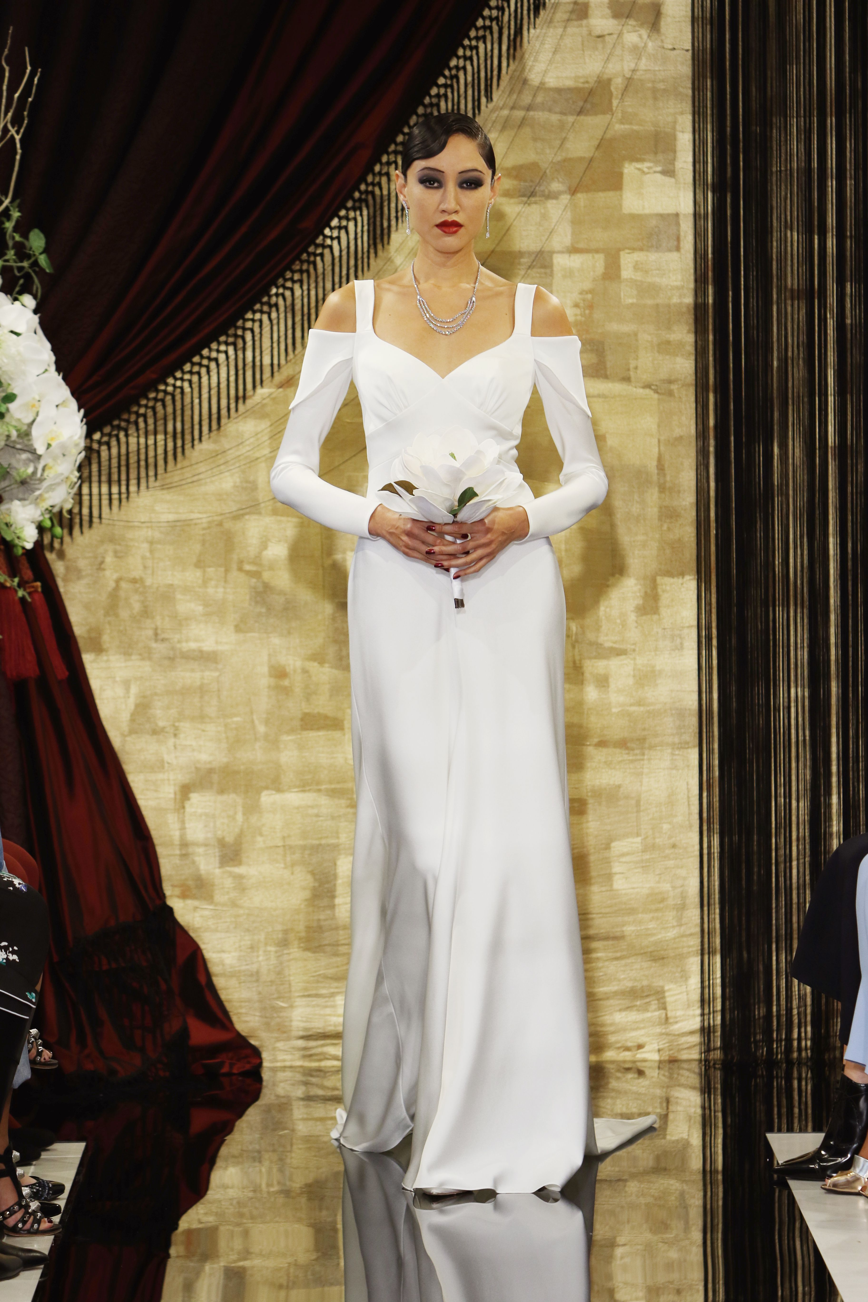 The best longsleeve wedding dresses at bridal fashion week