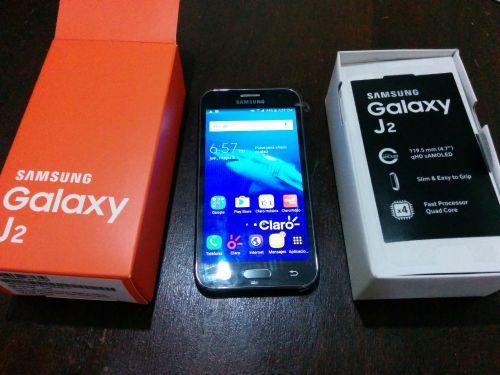 267d48210af Vendo totalmente NUEVO un Samsung Galaxy J2, sin usar, aun con sus  plásticos,