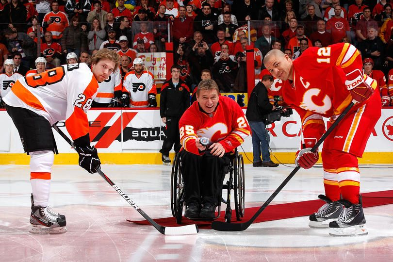 Canadian Paralympian Rick Hanson Drops The Ceremonial First Puck On February 25 2012 Nhl Hockey Players Olympic Champion Nhl News