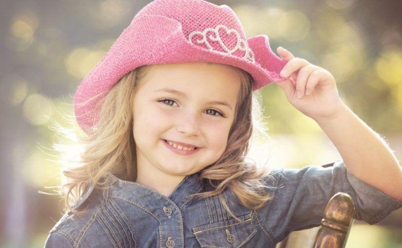 نقدم لكم عبر هذا المقال اسماء مستعارة بنات هناك العديد من الفتيات ترغب في اختيار أسماء مستعارة كي تضعها على الحساب Baby Girl Fashion Girls Wear Beautiful Hats