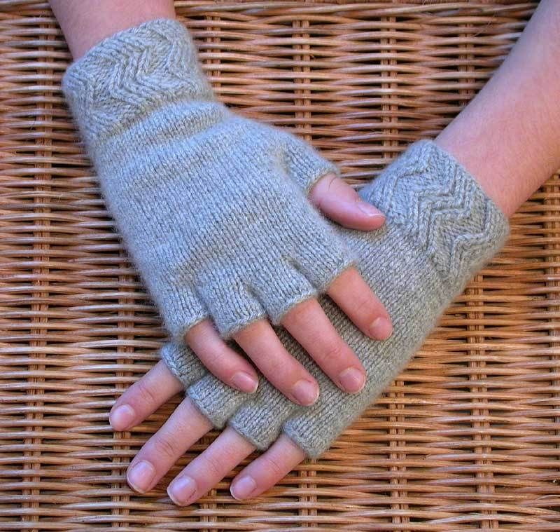 Persnickety Knitter - Gallery: Cashmere Fingerless Gloves | mittens ...