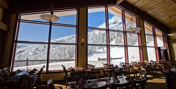 Cliff House Restaurant On Summit Of Mt