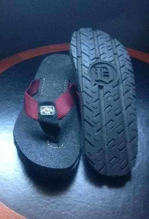 Detroit Treads Sandals Made From City S Illegally Dumped Tires Create Nationwide Buying Frenzy Tyres Recycle Sandals Used Tires