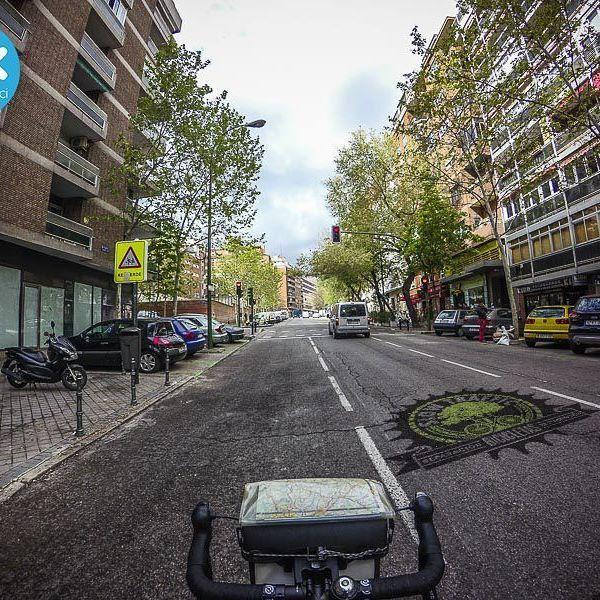 Día 28. Rodando, rodando llego al trabajo. #30diasenbici #30daysofbiking #Altrabajoenbici #alegresciclistas #slowtraffic