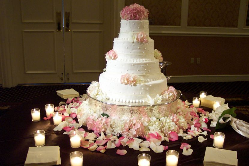 37 Creative Wedding Cake Table Decorations With Images Wedding