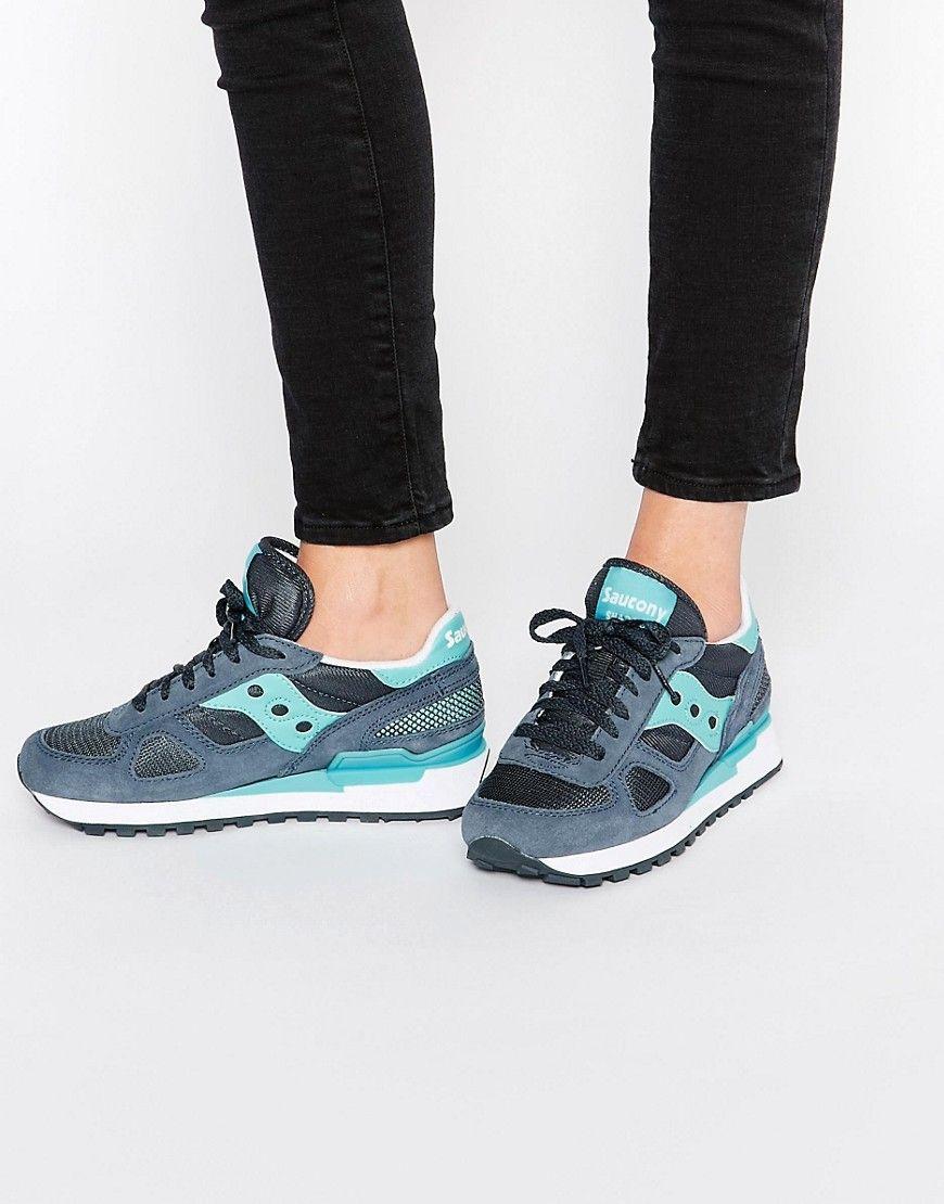 Compra Deportivas de mujer color gris de Saucony al mejor precio. Compara  precios de zapatillas de tiendas online como Asos - Wossel España a4c71f1e81d8