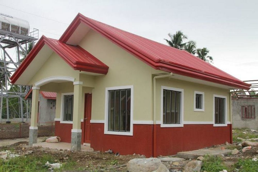 low cost bungalow house with balcony