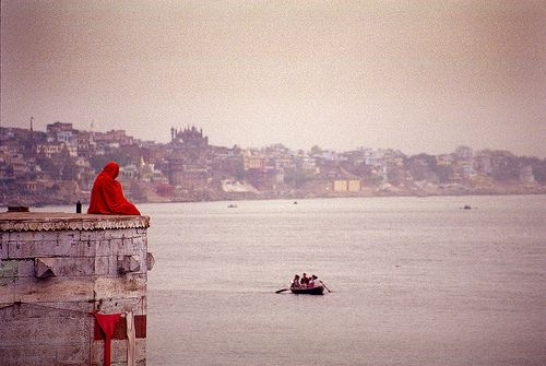 Overlooking the Ganges by mark e dyer, via Flickr