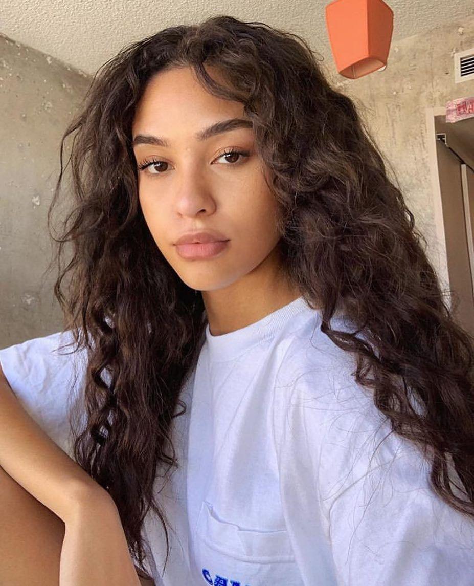 Watch The Best Youtube Videos Online Pretty Prettygirls Girl Instagirls Makeup Makeuptutorial Makeuplo Hair Inspiration Hair Styles Curly Hair Styles