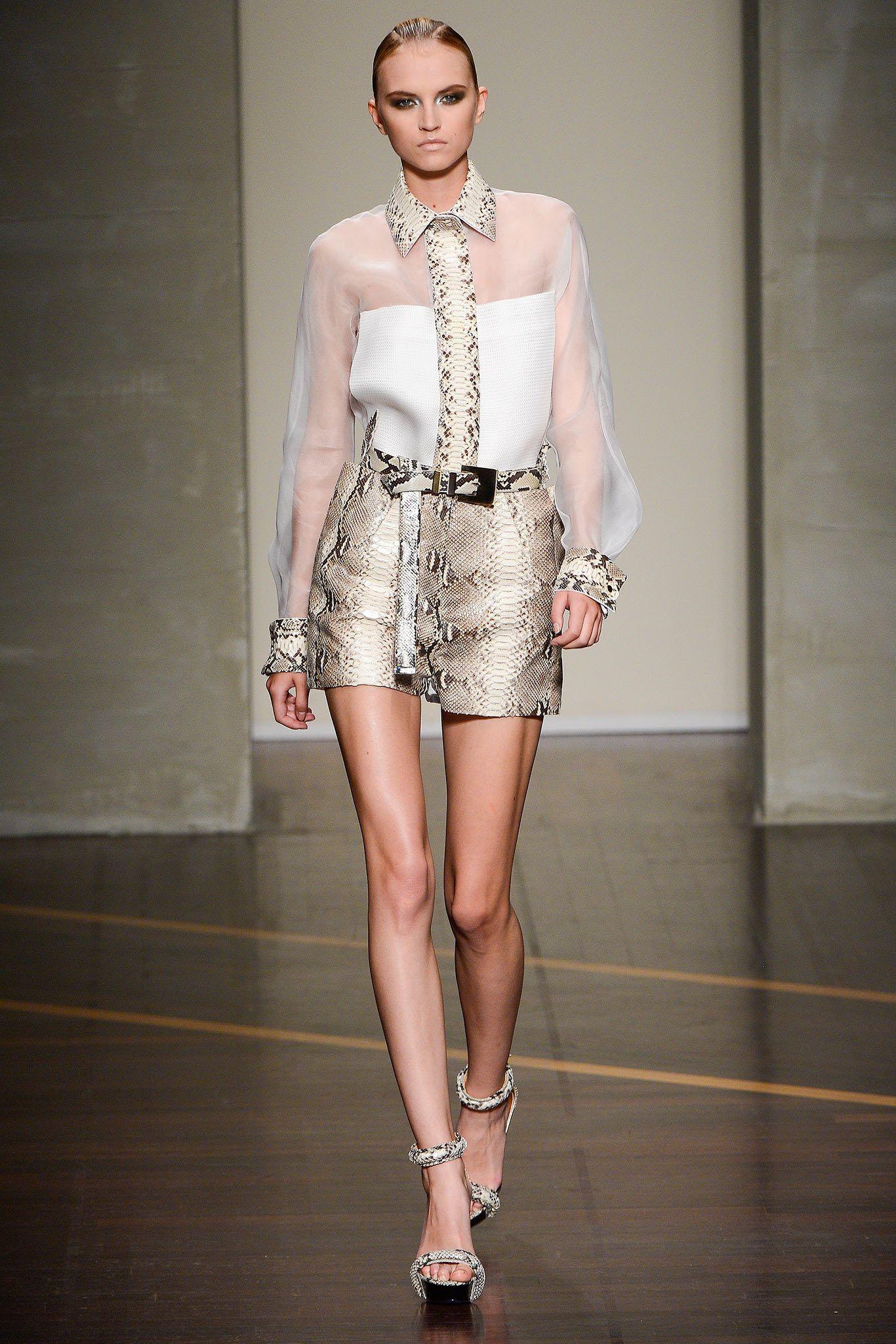 Gianfranco Ferré Spring 2013 Ready-to-Wear Fashion Show - Anabela Belikova