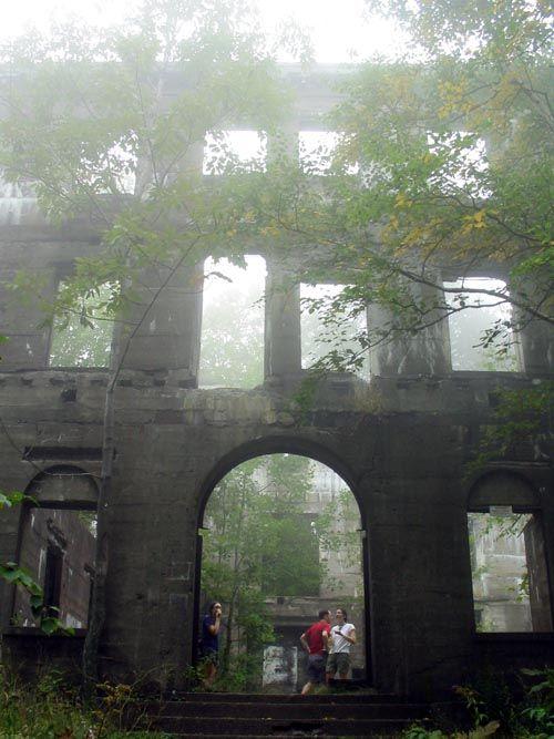 Overlook Mountain House Ruins Woodstock New Yorkabandoned