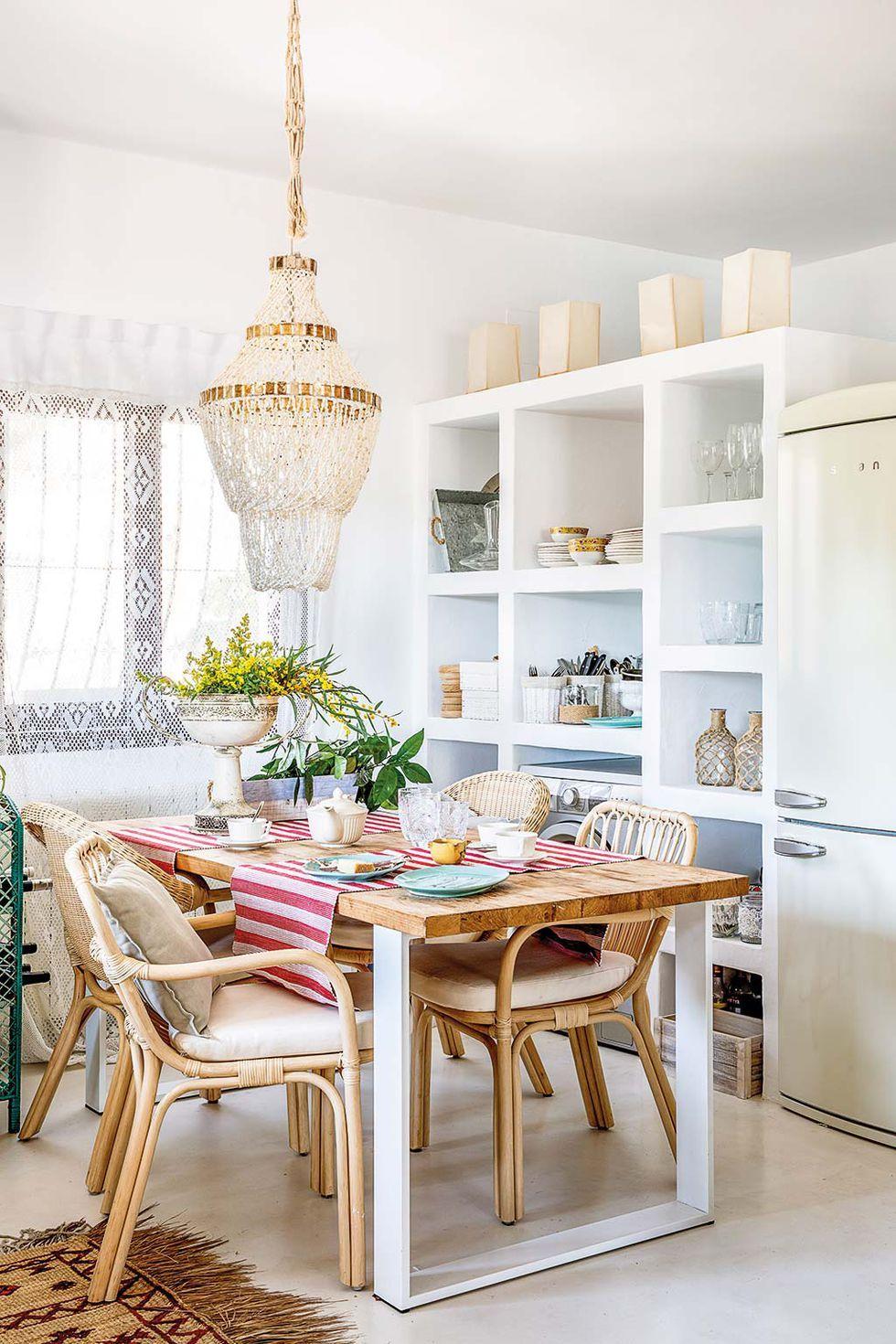 Design Frais Et Colore Pour Une Maison Espagnole Entouree De Vegetation Planete Deco A Homes World Maison Espagnole Maison Design