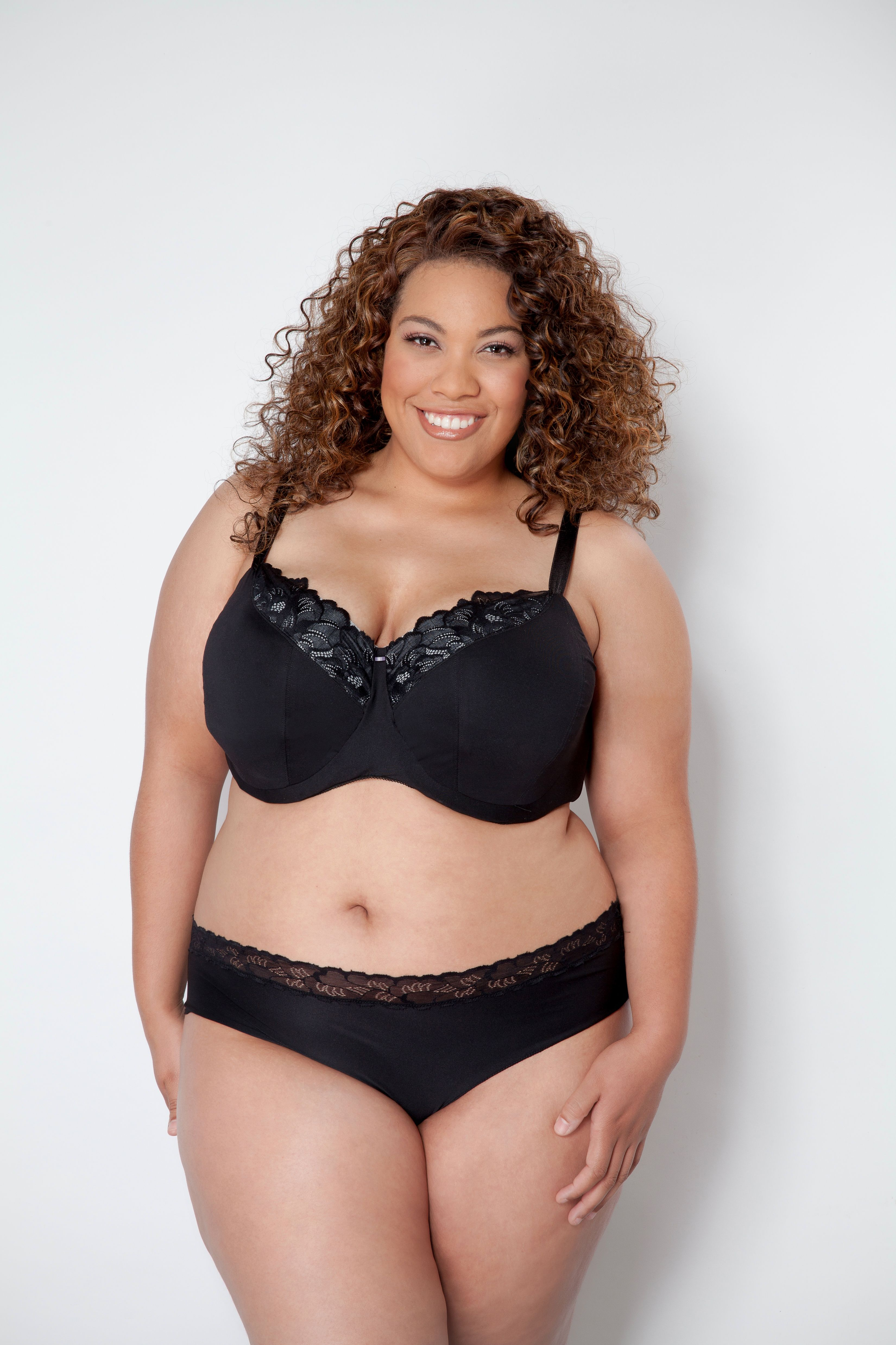 Plus-Size Lingerie Tips From People Who Get the Big-Boob Situ Plus-Size Lingerie Tips From People Who Get the Big-Boob Situ new foto