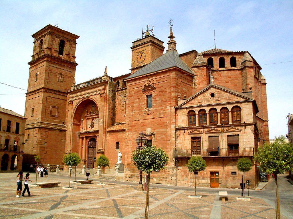 Iglesia De S Andres En Villanueva De Los Infantes Ciudades