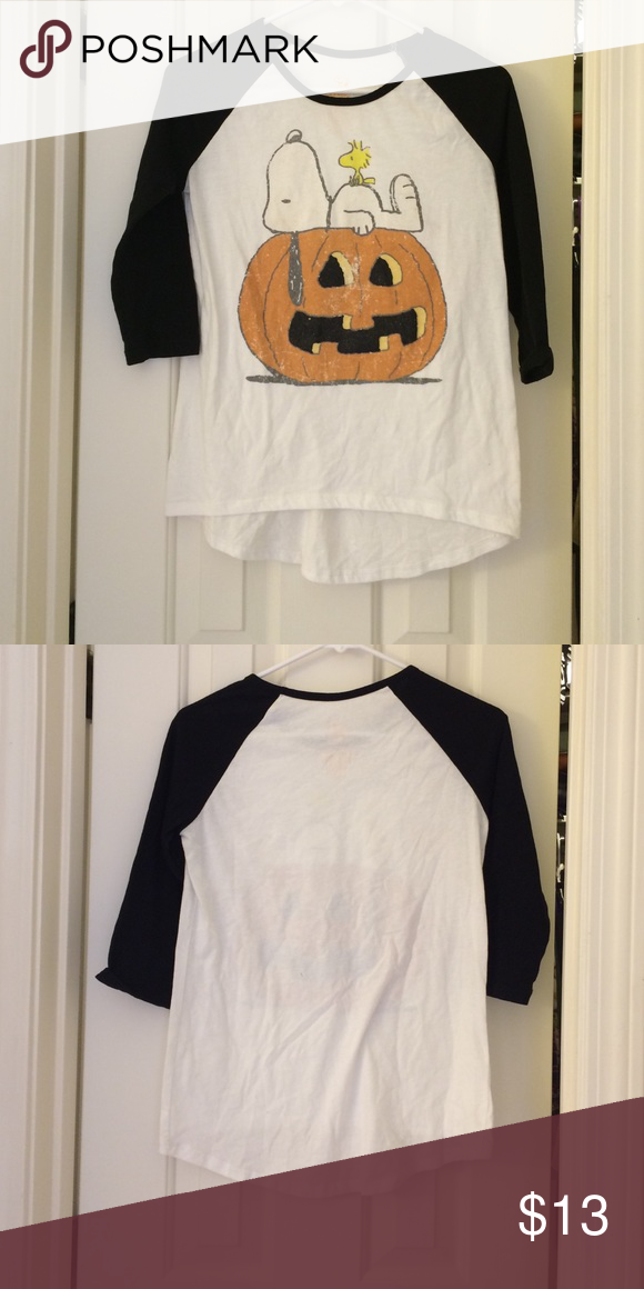Peanuts Halloween Top🎃 Used...Peanuts Halloween Top.(Baseball Top) Size XL. 60% cotton and 40% polyester. It's a great top for Halloween just around the corner 🎃 Peanuts Tops Sweatshirts & Hoodies