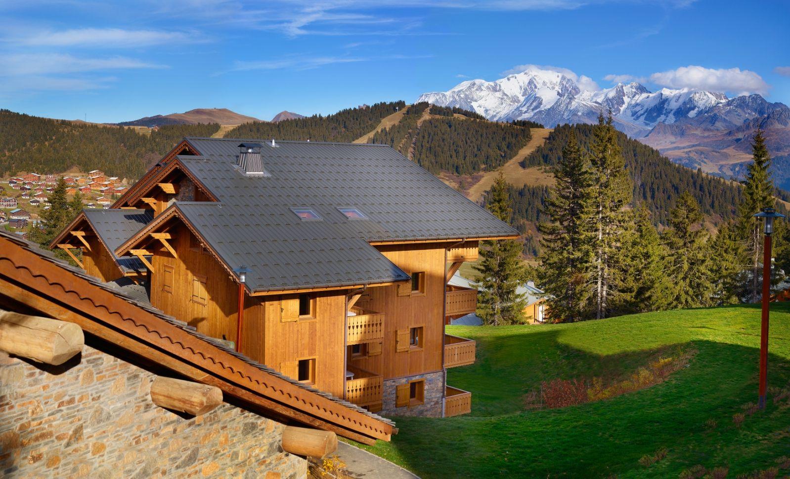 Les Saisies Avec Le Mont Blanc En Arrière Plan Saviez Vous Que Mont Blanc Locations Vacances