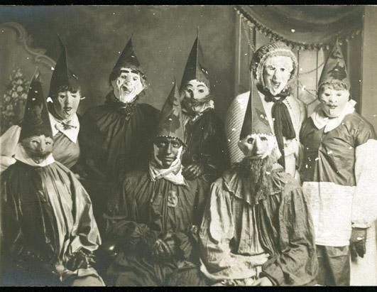 Check Out Some Creepy Vintage Halloween Costumes With Ipg And