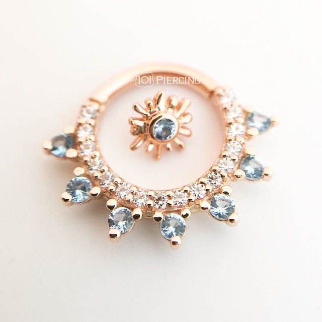 Gem Kolo & Sunray from @bvla 14k Rose Gold & Swiss Blue Topaz #101piercing #bodyvision #loveleucadia #bvla #goldbodyjewelry #bodyvisionlosangeles #leucadia #encinitas #carlsbad #cardiffbythesea #solanabeach #delmar #rosegold #swissbluetopaz #hwy101
