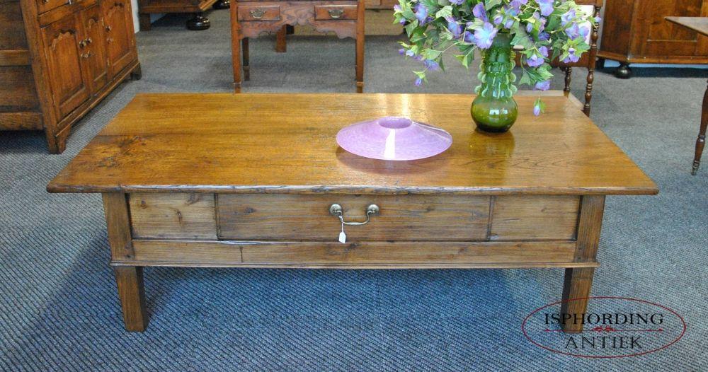 Antieke Spaanse Tafel : Spaanse tafel verlaagd tot salontafel kastanjehout. antieke tafel